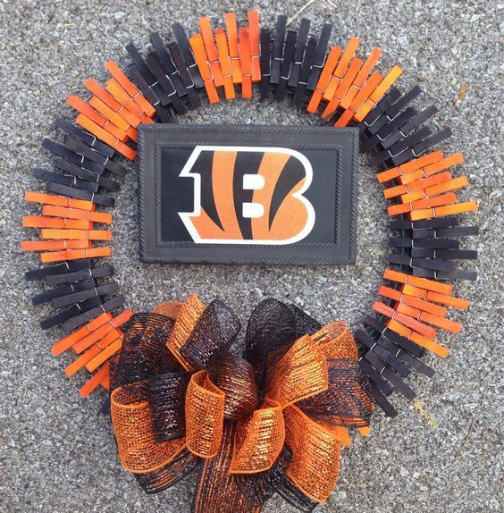 Cincinnati Bengals clothespin wreath by ThreeDogWreaths on Etsy: