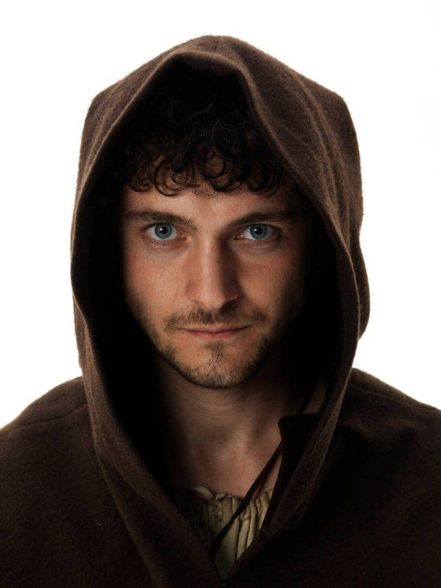 oh the sweet cupcake that is George bladgden on 'vikings' tonight :)  beautiful, baby :)  put so much heart into Athelstan.  Yet another beautiful, talented boy of the barricade <3