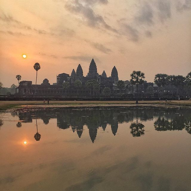 📸: Just one more, because it's so beautiful 😍 if you're planning to see the sunrise at Angkor Wat, get there EARLY! It gets super crowded 🌅  www.thegirlswhowander.com #thegirlswhowander #cambodia #siemreap #angkor #angkorwat #sunrise #sunriseangkorwat #wanderlust #girlsborntotravel #backpacker #LiveIntrepid #wannagohere #sheisnotlost #passportcollective #instatravel #photooftheday #picoftheday #travel #iphonephotography #iphone4 #blogoftheweek #linkinbio