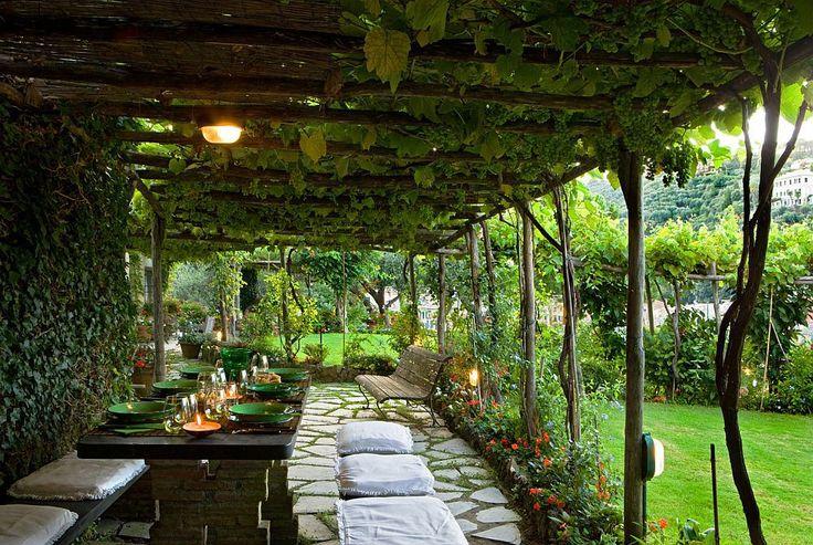 adelaparvu.com-despre-casa-cu-interior-clasic-si-terasa-cu-viata-de-vie-in-Portofino-casa-Italia-Foto-Adriano-Bacchella-11.jpg (1000×671)