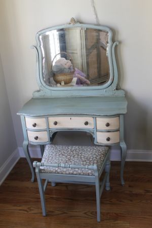 Atlanta: Shabby chic Vanity Table with attached mirror and bench $175 - http://furnishlyst.com/listings/75681