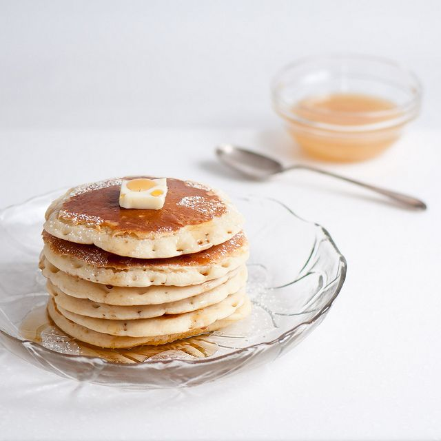 This pancake picture is so light and fresh.