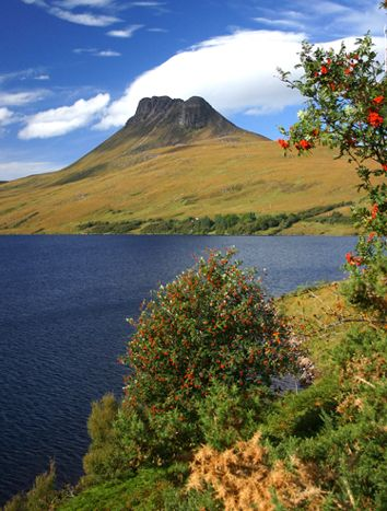 Stac Pollaidh ༺✿ The peak is Torridonian sandstone.Coigach is north of Ullapool, in Wester Ross, Northwest Highlands, Scotland.