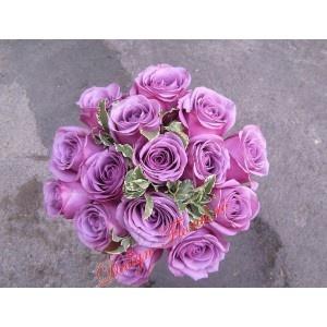 Buchet mireasa trandafiri mov