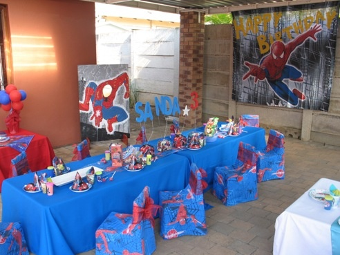 spiderman birthday party ideas/ I want the Spiderman background & 64 best Reidu0027s 5th birthday images on Pinterest | Spider man ...