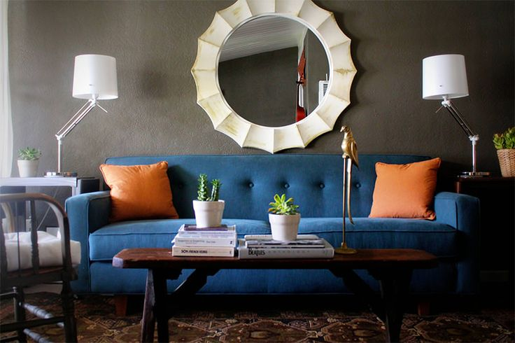 1-sofá-azul-em-sala-cinza