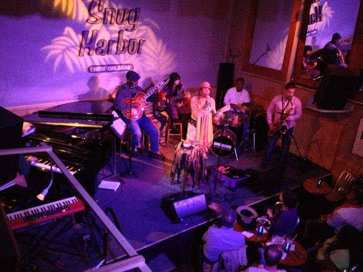 """Snug Harbor Jazz Bistro in New Orleans, LA. Where the """"locals"""" hang out. Great burgers from Port of Call."""