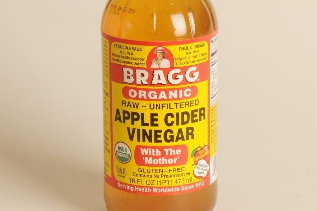 Apple cider vinegar has been linked to shiny hair, a clear complexion, and a multitude of uses for the body and around the home.
