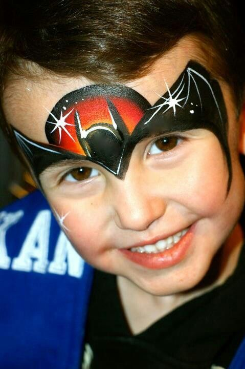 Batman face painting, not covering the eyes