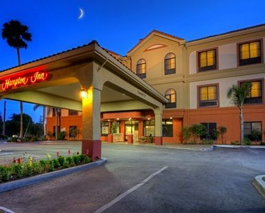 Hampton Inn Santa Cruz Hotel, CA - Exterior, Evening
