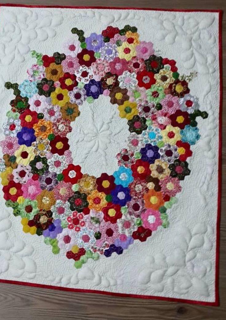 Hexagon wreath quilt More