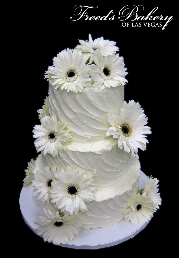 Elegant Gerbera Daisy Wedding Cake! #daisies #weddinginspiration