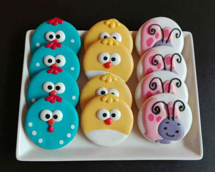 Galletas de La Gallina Pintadita, hechas por decoracookies                                                                                                                                                                                 Más
