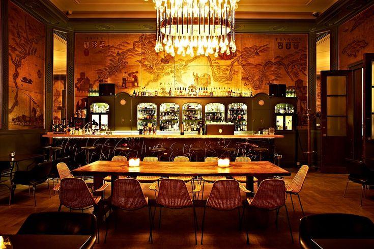 Die goldene Bar in München.