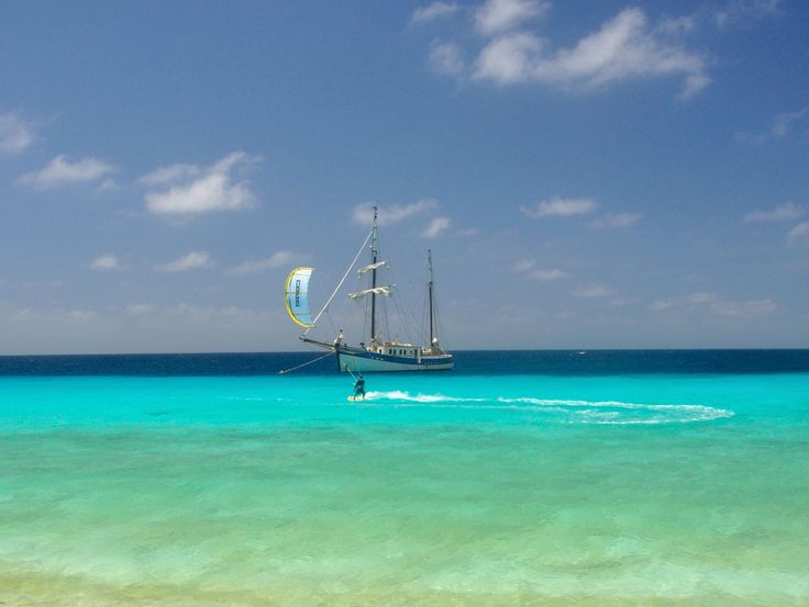 What about christmas on the San Blas islands? Visit the Maledives of the Caribbean! Kitesurfing, snorkeling, SUPping, sailing and relaxing! Visit http://www.kitesurfcruises.com/cruises/sailing-silverland-christmas-cruise/ for more info and bookings. #kitesurf cruise #kitesurf and sail #kitesurfing san blas #christmas cruise