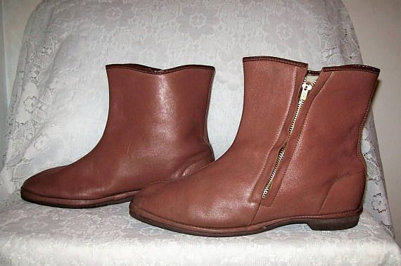 71a4d6cffd43c Vintage 1950s Mens Brown Leather Sherpa Lined Ankle Boots Side Zipper Size  9 Only 17 USD