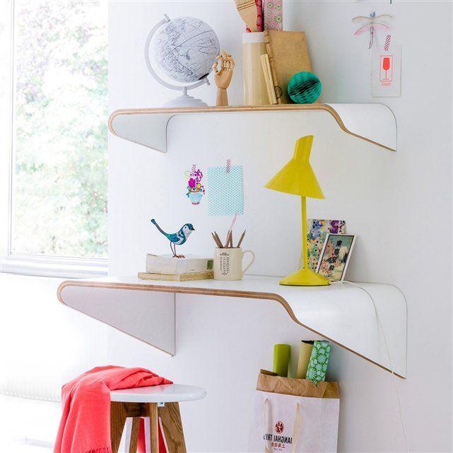 un design tout en douceur et en l g ret pour ce bureau et son tag re suspendus jimi d co. Black Bedroom Furniture Sets. Home Design Ideas