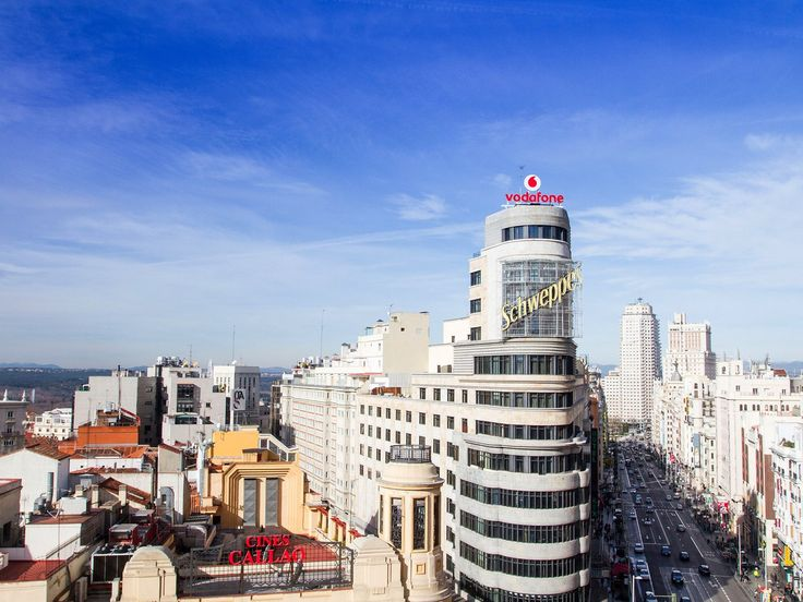 Head to the top floor of the nine-story El Corte Inglés shopping complex, located midway along Gran Vía at Plaza del Callao, to get one of the best views of Madrid for free. The Gourmet Experience offers panoramic views of the Royal Palace and Almudena Cathedral, as well as a bird's-eye view of the bustling traffic of Gran Vía. Afterward, wander through the food hall itself, which is packed with delicious deli items and tasty tapas.