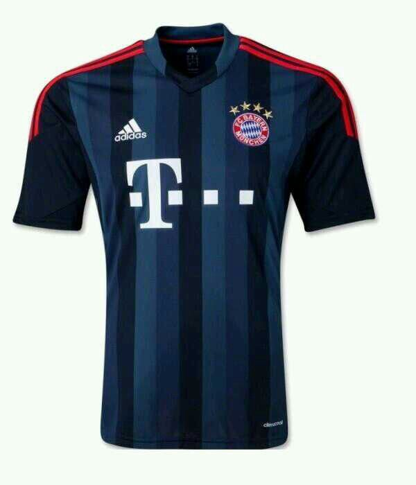 La terza maglia del Bayern Monaco 2013-2014.