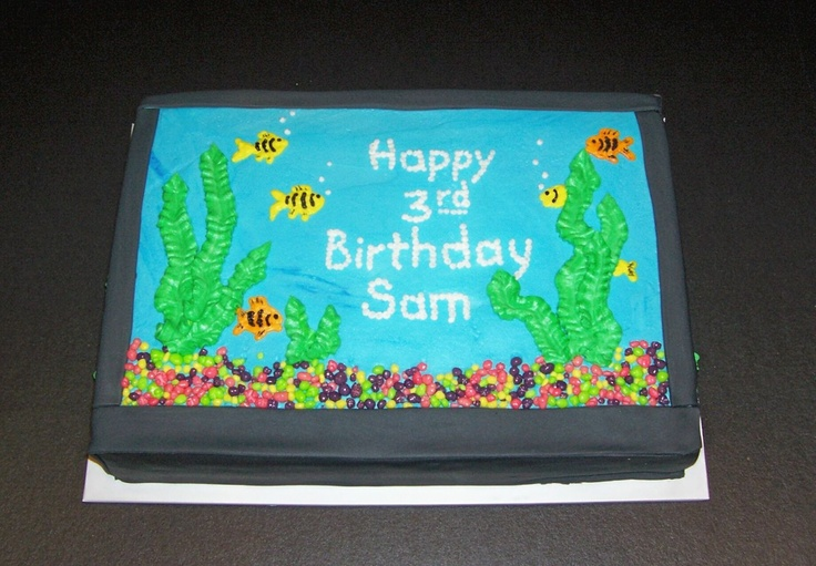 Aquarium cake this fish tank cake was made for a party for Fish tank cake designs
