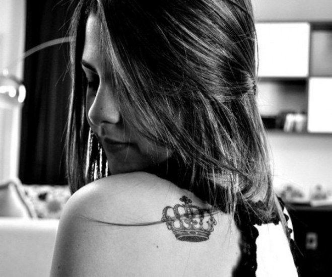 ¡God save the Queen! 60 #tatuajes de #coronas dignos de la realeza #Tatoo #tatuaje
