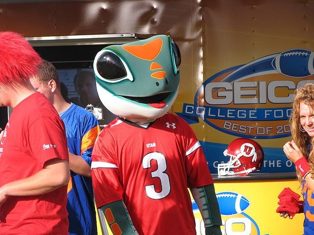 I guess the Geico lizard is a Utes fan | Car photo