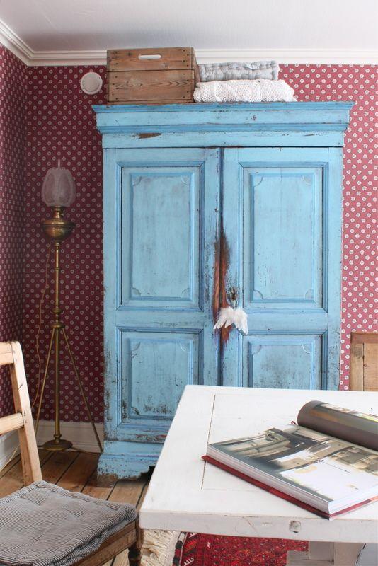 Livs Lyst blue armoire