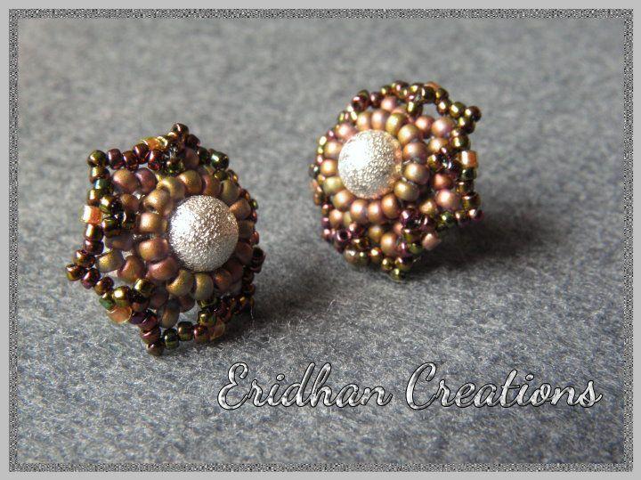 Eridhan Creations - Beading Tutorials: Flower Stud Earrings - free pattern