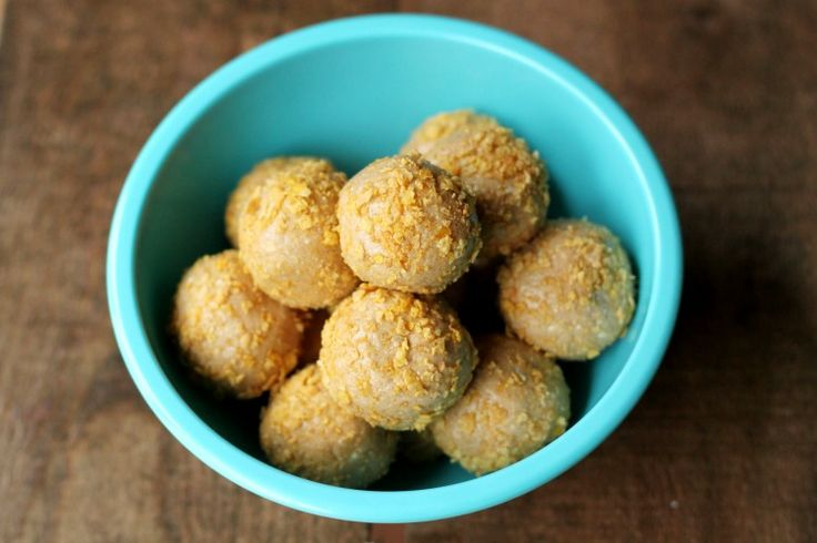These Old-Old Fashioned Peanut Butter Balls are a breeze to make! Take peanut butter, honey and dry powdered milk and mix together. Form into balls, roll in toppings and chill.