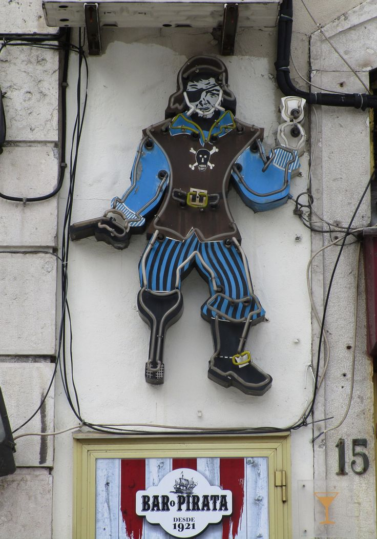 "Rètol lluminós. Bar ""Pirata"" Lisboa"