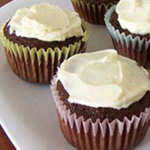 2 Medifast chocolate pudding- 1 Medifast Scrambled Egg- ¼-1/2 cup water (until it's like batter)- 2 tbs low-fat cream cheese- ½ tsp baking powder- 1 pack Splenda- cooking spray  Mix all dry ingredients then add the water. Put in cupcake pan. Bake 15 min. Ice with cream cheese. Makes 6 cakes-2 cakes = 1 serving