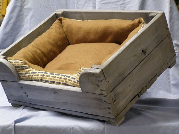 This Comfortable Dog Bed Is Made For A That Weights 30lbs Or Less The Has Blue Wash Pallets Pinterest