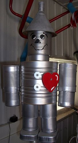 No instructions, but we can figure it out!  Gotta make one of these!  tin man out of recycled cans | Man Made Out of Tin Cans