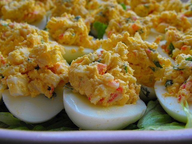 Ovos recheados com delícias do mar - versão light