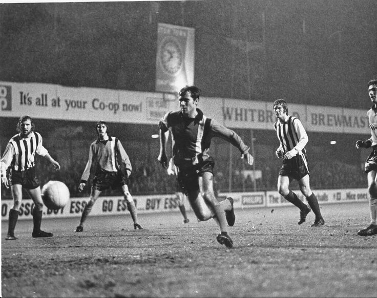 Luton Town 1 Grimsby Town 1 in Oct 1973 at Kenilworth Road. Luton attack trying for the winning goal in the League Cup 2nd Round.
