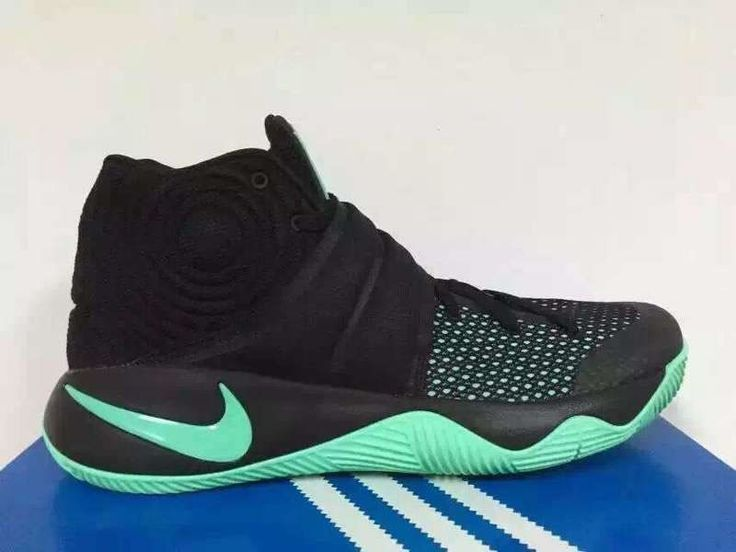 shoes kyrie irving wearing nike foams black