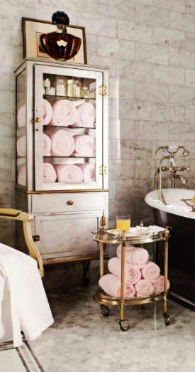 Pops of pink in this bathroom