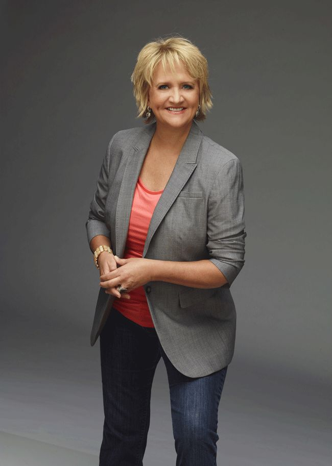 America's top-selling female comedian Chonda Pierce and Grammy winner Jason Crabb will bring an evening of laughter, music and ministry to Johnson City on Tuesday at 7 p.m., at Milligan College's Seeger Chapel.