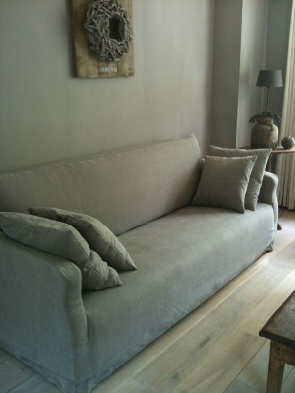 Ingezonden door Carola van Vliet.  In de huiskamer is kalkverf in de kleur Leem gebruikt. Geleverd door Hamsmade.