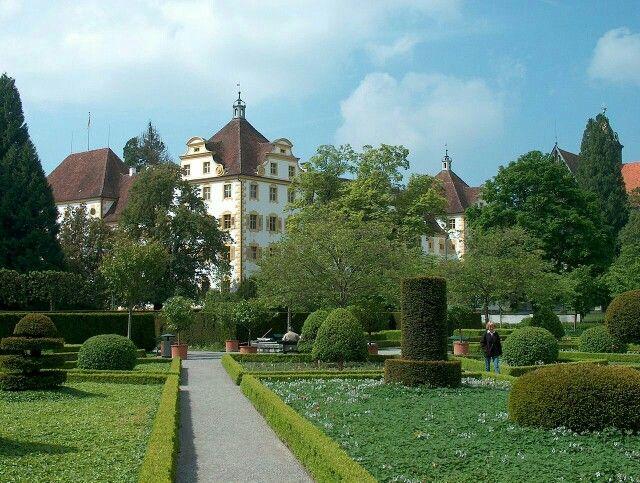 Schloss Salem. Früher ein Kloster. Nähe Bodensee. Dort war Max oft.