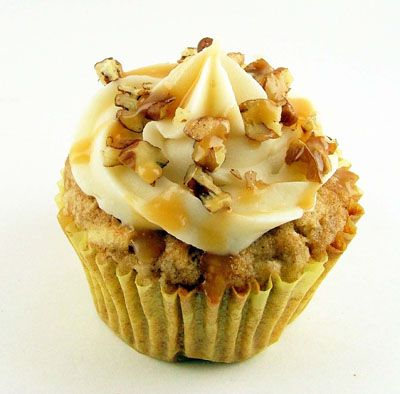 Spiced apple cupcakes w/ cream cheese frosting & caramel drizzle - kerstin