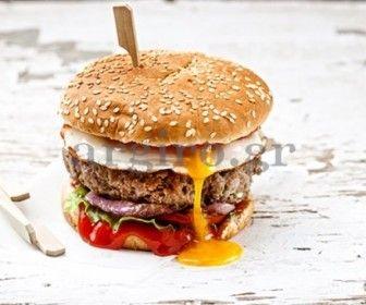 Θεϊκό burger με αυγό