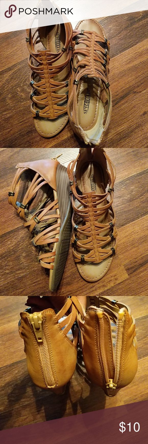 Sandals Camel color open toe sandals with bronze hardware.  Worn twice. Can be worn with shorts, or jeans. Very stylish and super cute. Reasonable offers accepted, fast shipping 😊 Seychelles Shoes Sandals