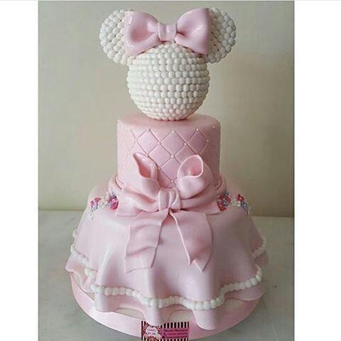 Bolo da Minnie Rosa.. Lindo e um charme para aniversário de menina.. ♡♥ #festadeaniversario #festais - decore_ecia