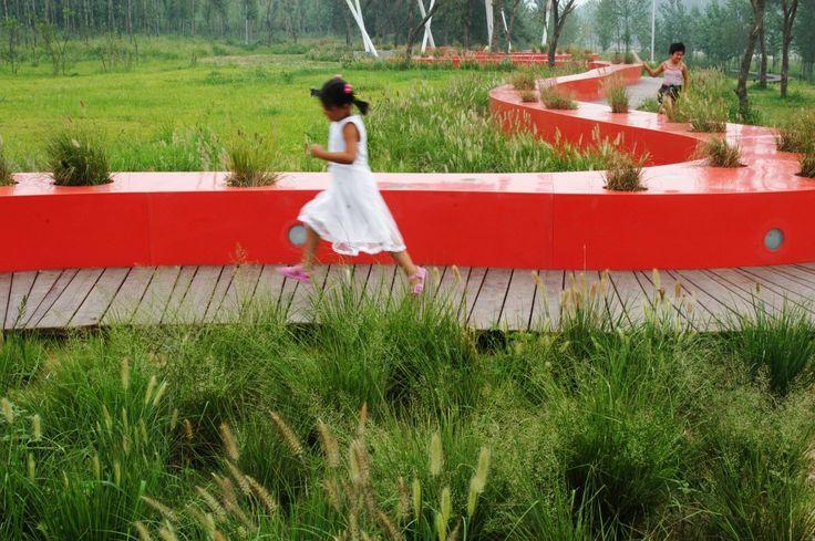 Red Ribbon Park / Turenscape