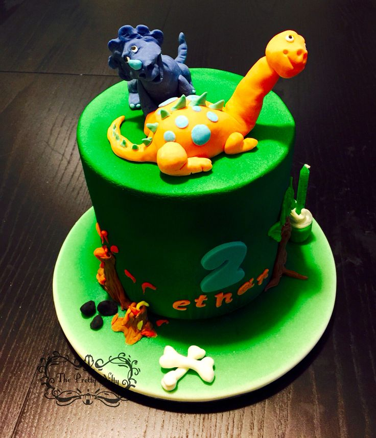 Pistachio Rose White Mud Cake made for an adorable boy turning 2. He loves dinosaurs. I was told the others kids are excited as soon as they saw the cake. Can you imagine what the birthday boy's reaction would be :)