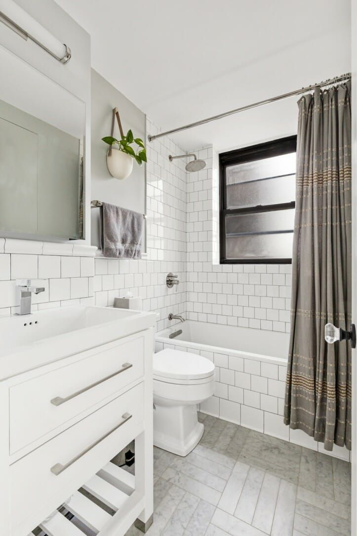 A Food Writer Uses Hotel Inspired Style For An Art Deco Apartment Bathrooms Remodel Small Bathroom Budget Bathroom Remodel