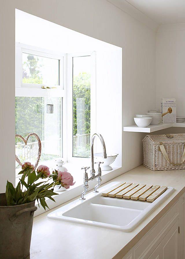 Summer Cottage Inspiration - Home Bunch - An Interior Design & Luxury Homes Blog