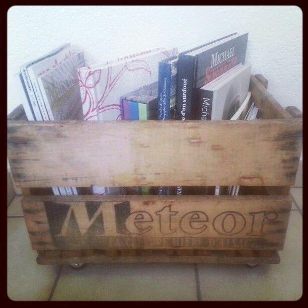 Maintenant la caisse accueille les bouquins et magazines