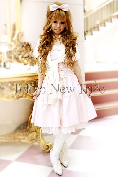 Shiro Lolita Model